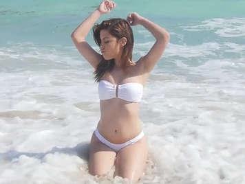 4K video porno cazzo ragazza in bikini