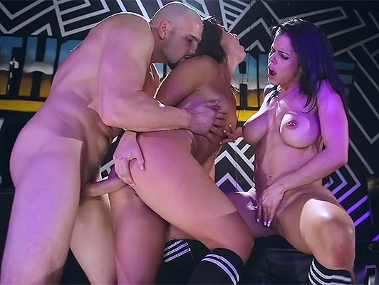Hot anal threesome