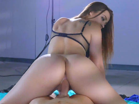 Enjoying a good sex with Dani Daniels and her amazing ass