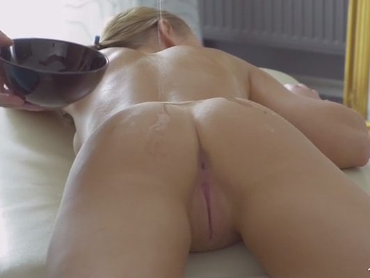 Oil massage porn a blonde narrow ass