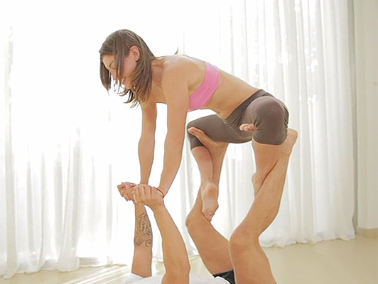 Acrobatic Love with Julia Roca a spanish aerobic babe