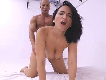 Il debutto porno di Claudia Bavel da MYHYV