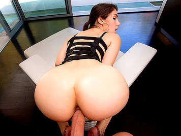 The assed Italian Valentina Nappi loves anal sex