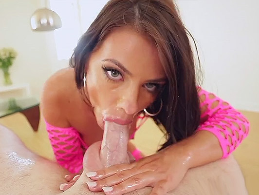 Brunette with blue eyes and deep throat, making a spectacular blowjob