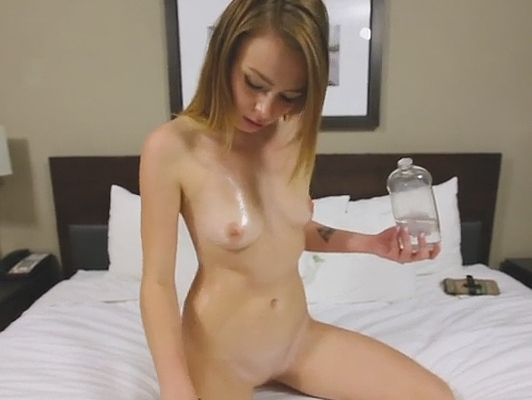 Casting porn in POV to a rookie 18 years anointed in oil