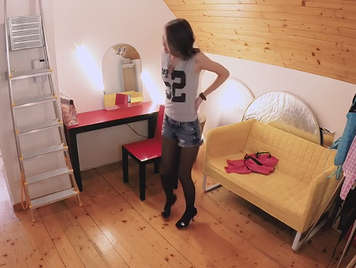 A Czech model fucked and recorded in hidden camera during a photo shoot