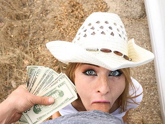 Bauer blauäugige blonde Saugen und fucking einen dicken Schwanz für Geld