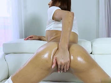 Play with lots of oil with a horny latina