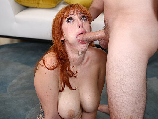 Housewife with big tits and deep throat making a spectacular blowjob