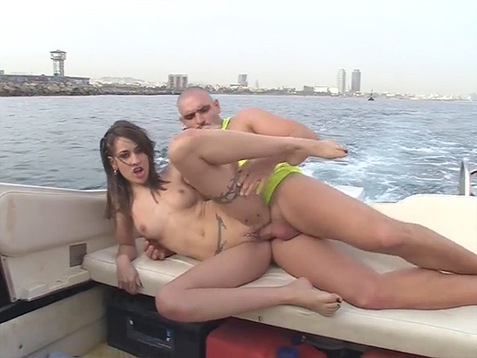 Asshole andalusian fucking with a Spanish girl on a speedboat in the sea