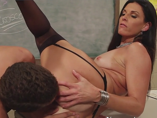 Mature brunette teacher with a powerful ass giving hardcore sex lessons