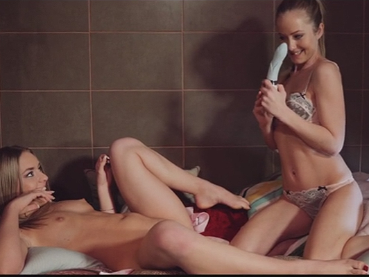 Bathroom lesbian sex with European blondes Sicilia and Daniella Margot