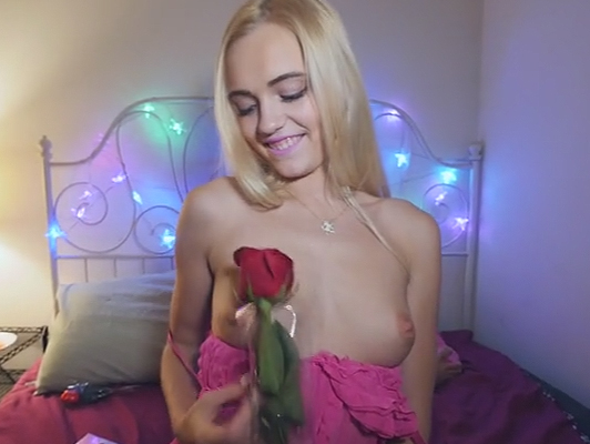 Video porno amateur de una parejita follando en su habitación