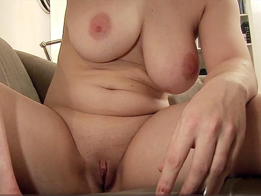 Coppia amatoriale registrare un video porno fatti in casa nel suo salotto