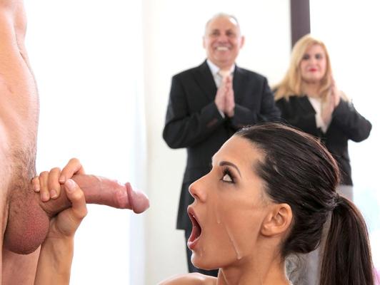 Acrobacias, sexo y diversión con Alexa Tomas