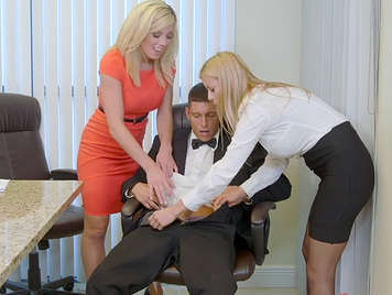Fucking in the office with two secretaries very sluts