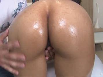 Sexo duro con una ardiente colombiana culona