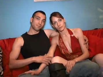 Parejita en el paro haciendo video porno por dinero