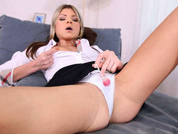 Fucking the ass to a beautiful babe with panties who it gets a lollipop in her asshole