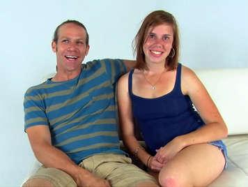 cazzo selvaggio e eiaculazione facciale di una giovane coppia amatoriale