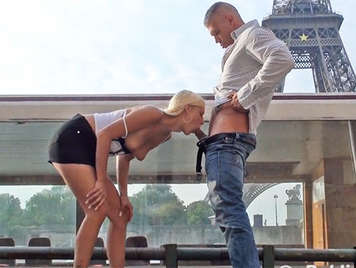 Fucking in public in front of the eiffel tower