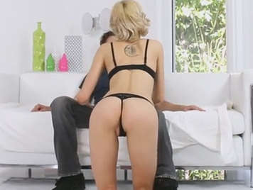Tricking with her ass in thong