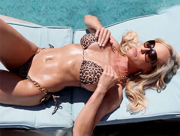 Hard sex with a blonde milf in bikini with big tits operated