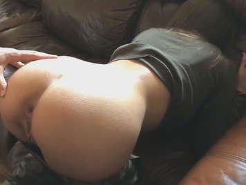 I cum on my girlfriend's ass after having anal sex