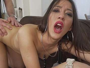 Cum on the tits of a pretty Brazilian