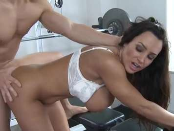 Mature gets hot and wants rough sex in the gym