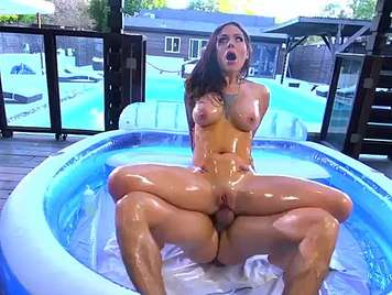 Oily anal with culona Karmen Karma