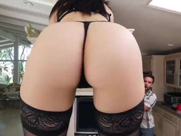 Demi Lowe putting her ass to be fucked hard