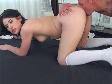 Calda, brutto fidanzata cazzo le sue lunghe calze