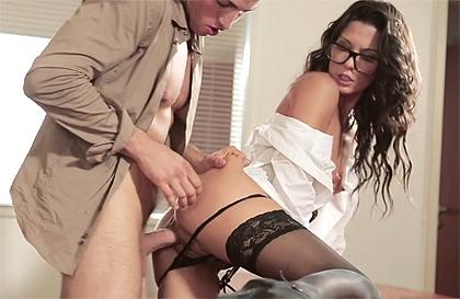 Upskirt secretaria pantimedias sexo