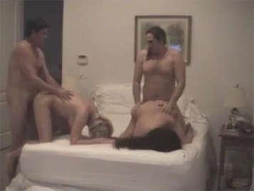 Quartetto sessuale tra vecchie coppie