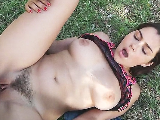 Italian girl caught in the street and fucked in field negotiating for sex in public