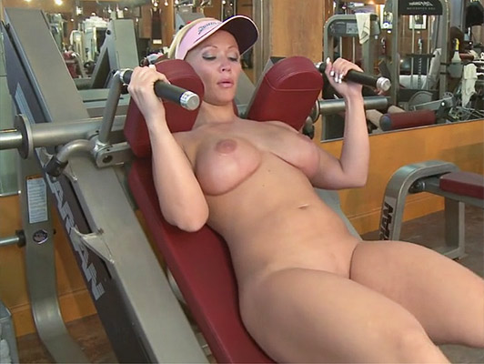 Mature fucked naked and sweaty in the gym after making fittnes