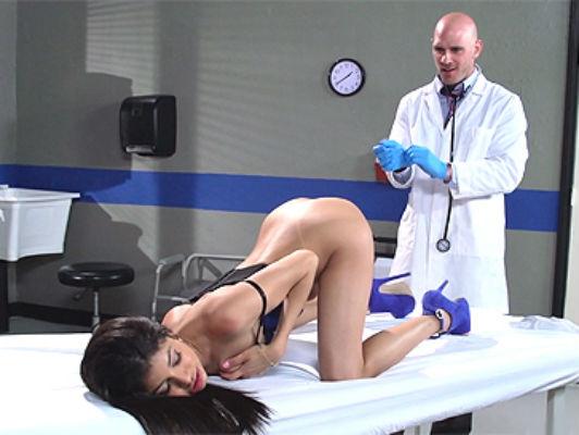 Veronica Rodriguez visita al dottore