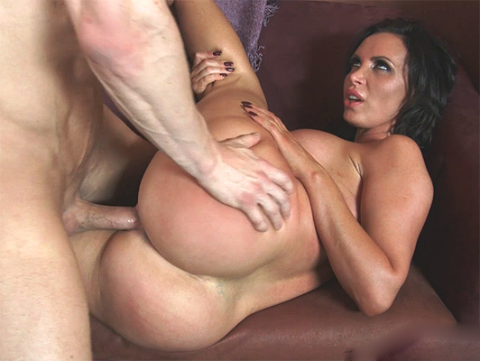 Hardcore sexo with a big ass and busty mature
