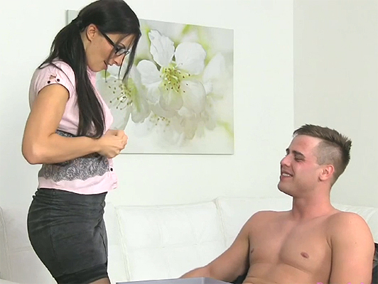 Sexy female agent fucking with a rookie