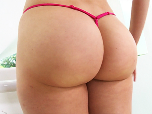 Mia Malkova's perfect ass, a natural blonde beautiful eyes
