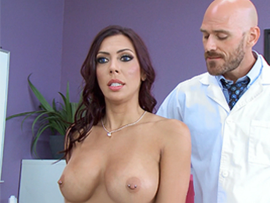 A horny hot patient has sex with her doctor