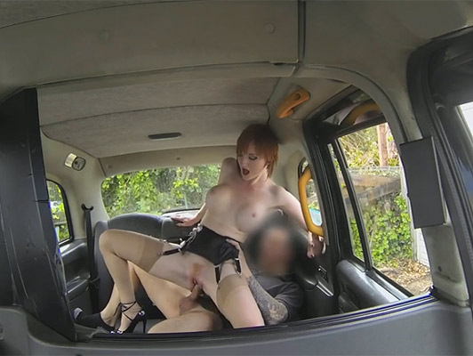 Natural redhead with great body fucking hard in the back of a taxi