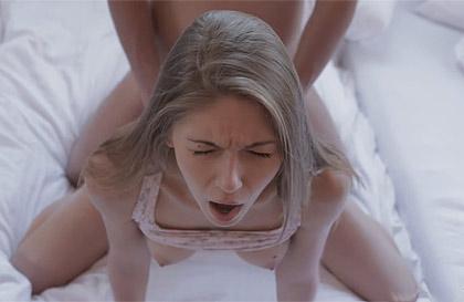 virgenes follando vídeos travestis