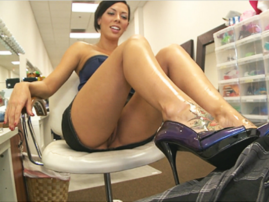 Hot brunette uses her feet and heels to masturbate you