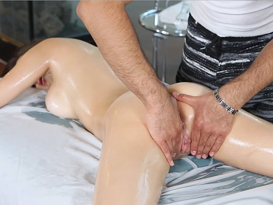 Vaginal massage a sweet and vicious busty babe she is sucking cock and fucks hard to fill his face and hair with a good cumshot of warm milk