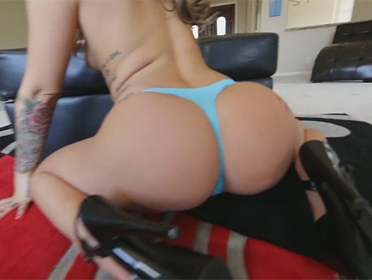 Spectacular babe in thong and high heels fucking with the ass covered by a heavy cumshot