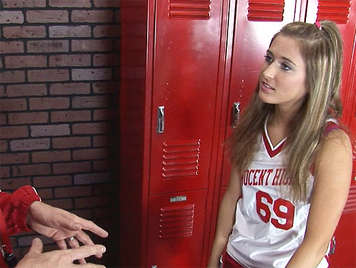 Cheerleader seduced by the trainer