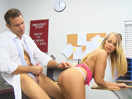 Creampie brutal with a blonde schoolgirl fucked in class with his tutor finishes with a pussy full and overflowing thick cum