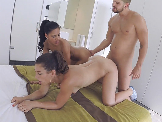 sexual Yoga and threesome with Apolonia and Julia Roca